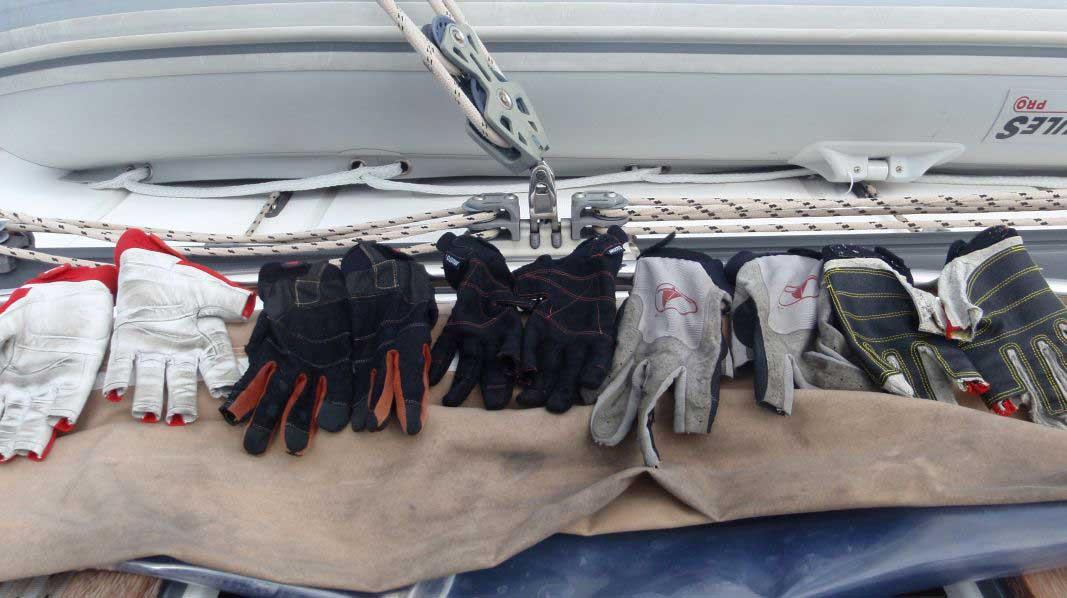 Ausrüstung - Handschuhe
